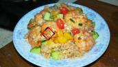 虾仁蛋炒饭 快速又好吃的一盘炒饭 菜饭全有了 食材丰富 营养全面-家庭厨房菜谱