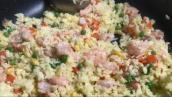 SUB)Egg fried rice with shirmp best easy recipe 🍀蛋炒饭 虾仁 胡萝卜 洋葱 葱花 酱油 最好吃的家常做法#8
